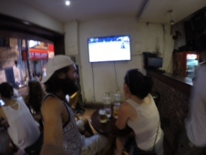 Unfortunately, we had to leave the bia hơi stand and splurge for a real bar to see the Wimbledon final.